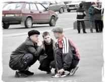<center><b>Немцы вдохновились русскими гопниками</center></b>