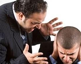 <center><b>Почему начальники кричат на подчиненных? </center></b>