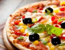 <center><b>Британец ищет пиццу по всему миру</center></b>