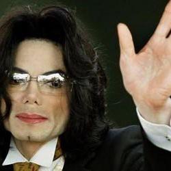 <center><b>Споры из-за цвета Майкла Джексона </center></b>