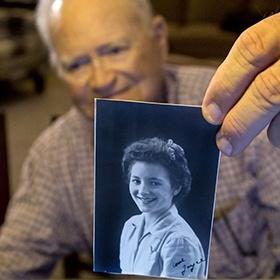 <center><b>Ветеран нашел свою любимую спустя 70 лет</center></b>