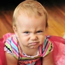 Младенец со смехом злого гения (видео)