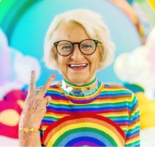 88-летняя звезда Instagram шокировала новым нарядом