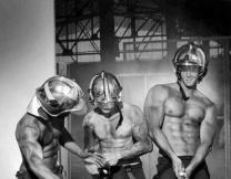 Горячий календарь с французскими пожарными