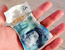 Британский фунт начал таять