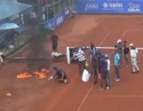 В Марокко сушили теннисный корт бензином (видео)