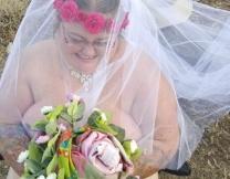 В Австралии сыграли голую свадьбу