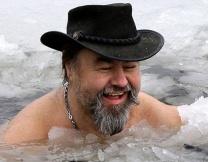 По улицам Новосибирска гуляет морж (видео)