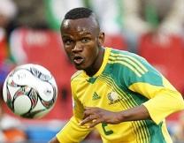 Африканские футболисты пользуются магией (видео)