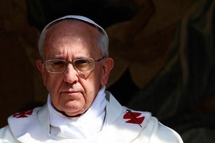 <center><b>Папа Римский не принял