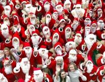 Санта-Клаусы устроили забег в Мадриде (фото)