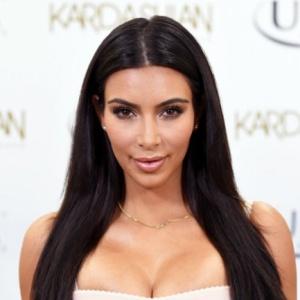 Ким Кардашьян показала любимые сосиски (фото)