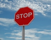 Дорожный знак превратили в арт-объект (фото)
