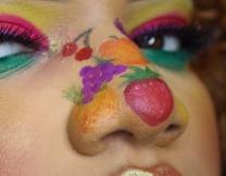 Что делать с большим носом? Закрасить!