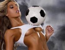 Футболистки пообещали раздеться (18+)