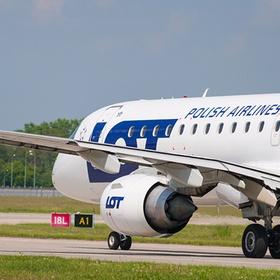 Пассажиров самолёта заставили платить за его ремонт