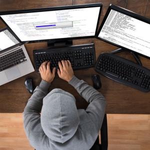 Школьник-хакер взломал сайт ВУЗа