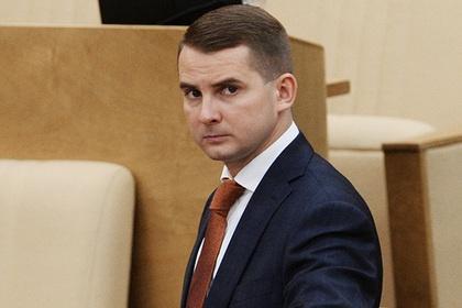 Российские чиновники предложили премировать некурящих сотрудников