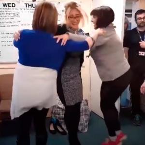 Треугольный танец завоёвывает интернет