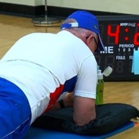 71-летний пенсионер установил мировой рекорд по планке