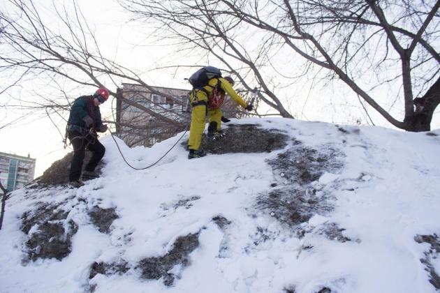 Челябинские альпинисты покорили сугроб