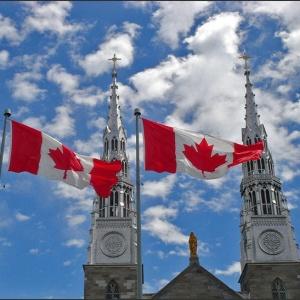 <center><b>Жена канадского премьера нуждается в помощи</center></b>