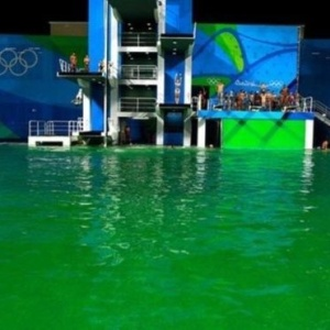 <center><b>Новый прикол Рио - зеленый бассейн</center></b>