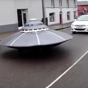 <center><b>Ирландские копы поймали НЛО</center></b>
