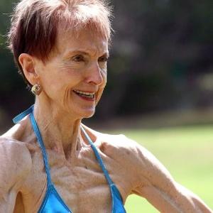 <center><b>73-летняя бабушка из Австралии стала бодибилдершей</center></b>