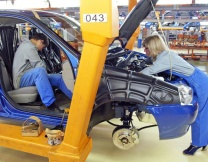 <center><b>Немецкие работники получат по 9 тысяч евро</center></b>