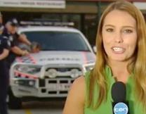 <center><b>Невозмутимая репортёрша из Австралии</center></b>