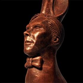 <center><b>В Англии создали шоколадных зайцев с лицом Камбербэтча</center></b>