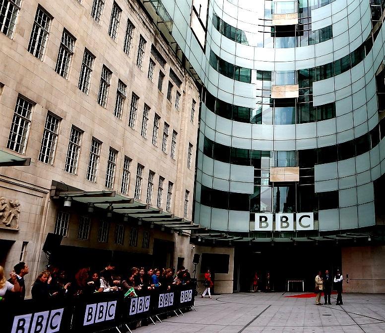 <center><b>Диктор BBC похож на преступника</center></b>