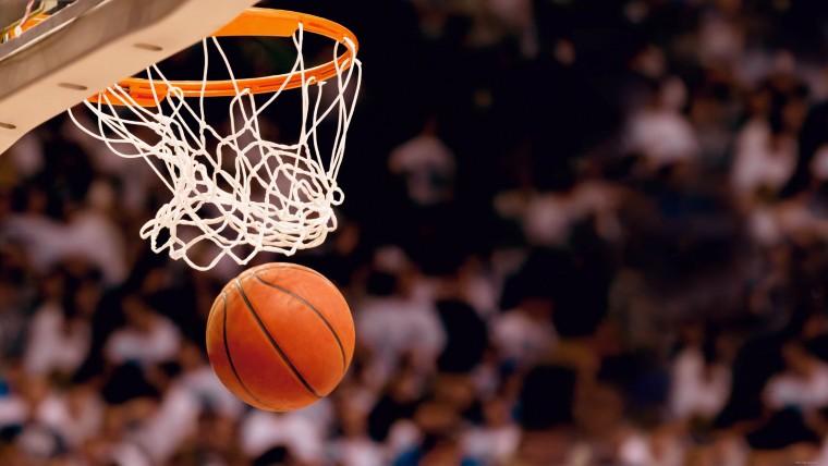 Студентська збірна ІФНМУ з перемоги почала виступ в чемпіонаті області з баскетболу