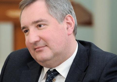 <center><b>Дмитрий Рогозин недоволен журналистами</center></b>