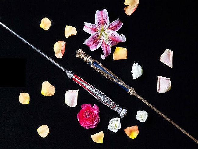 <center><b>Селфи-палка с драгоценными камнями</center></b>