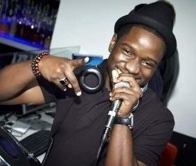 <center><b>Диджей из Нигерии играл 10 суток</center></b>