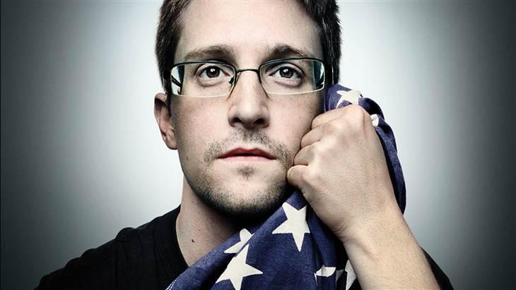 <center><b>Сноудену надоели голые девушки</center></b>