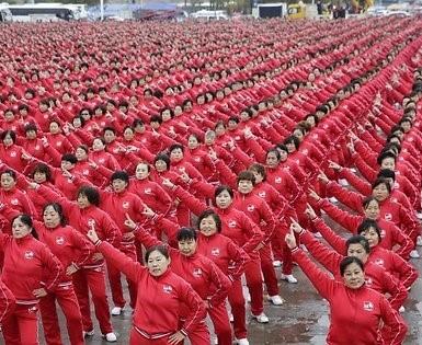 50 тысяч китайцев натанцевали на рекорд (видео)