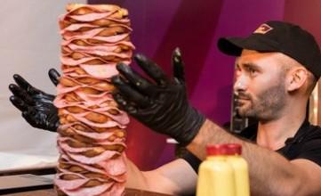 Гигантский сэндвич вошел в Книгу рекордов Гиннеса (видео)