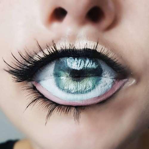 Глаз на губах - новый бьюти-хит (видео)