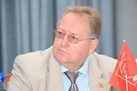 <center><b>Обухов предложил депутатам стать ближе к народу</center></b>