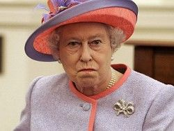 <center><b>Елизавете II напомнили о долгах</center></b>